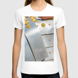 Details Of The Ancient Roman Military Plate Armor T-shirt