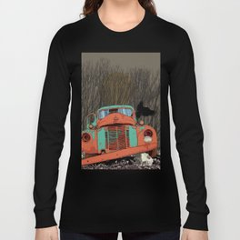 Rusted old truck, wolf skull, raven. Long Sleeve T-shirt