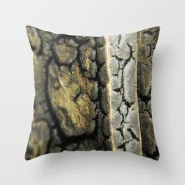 Racine de l'Existence Throw Pillow