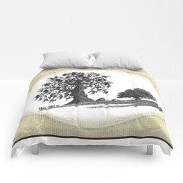 TWO LONE OAKS Comforters