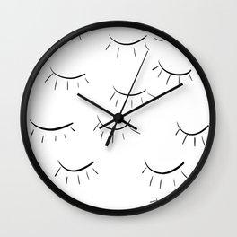 Sleepy Eyes - Linedrawing Wall Clock
