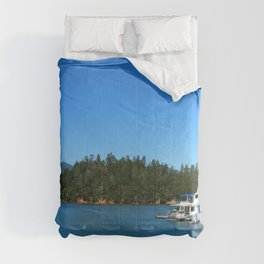 Houseboats On Lake Shasta Comforters