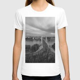 Elisabeth Bridge T-shirt