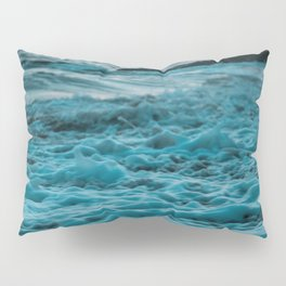 Wavy Waters In California In The Summer Pillow Sham