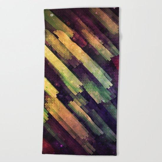 mytyyr shwwr Beach Towel