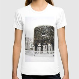 Newport, RI Viking Tower, Touro Park Winter Scene T-shirt
