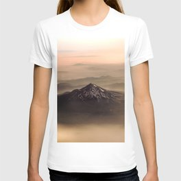 The West is Burning - Mt Shasta - nature photography T-shirt