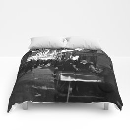 Golden triangle night life - Bordeaux Comforters