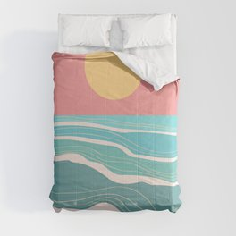 Crashing wave on sunny bay Comforters