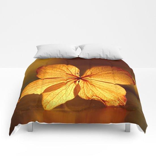 Fragile Hydrangea Flower Comforters