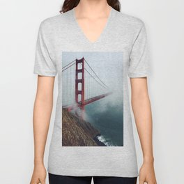 Amazing San Francisco Golden Gate Bridge In Heavy Fog Ultra HD Unisex V-Neck