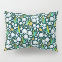 Geometric Snowdrop Flower Pattern Pillow Sham