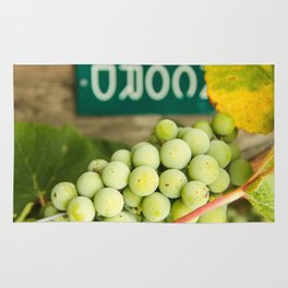 Green Concord Grapes Rug