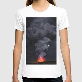 Moon Over Kilauea Volcano at Kalapana T-shirt