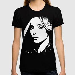 Villanelle & Knife T-shirt