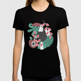 Toucans with apples and strawberries T-shirt