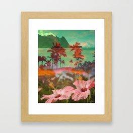 HIBISCUS BEAUTY Framed Art Print