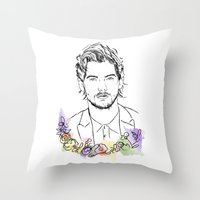 louis tomlinson Throw Pillows featuring Louis Tomlinson by Mariam Tronchoni