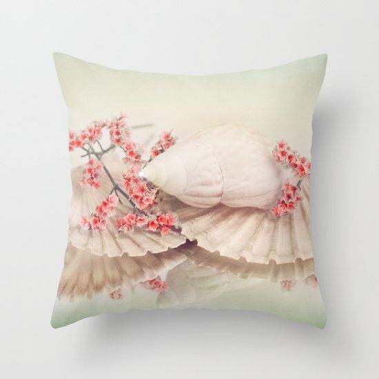 SHELLY DREAM Throw Pillow