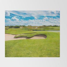 golf course Throw Blanket