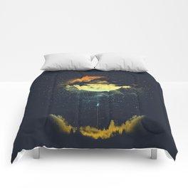 MOON CLIMBING Comforters