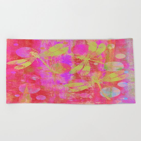 A Dragonflies and Dots Q Beach Towel