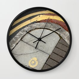 Kerb curves Wall Clock