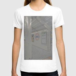 Temple station London 5 T-shirt