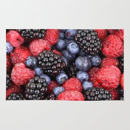 Summer raspberry, blueberry and blackberry berry pattern Rug