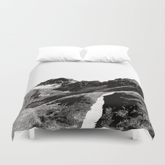 The road below the mountains Duvet Cover