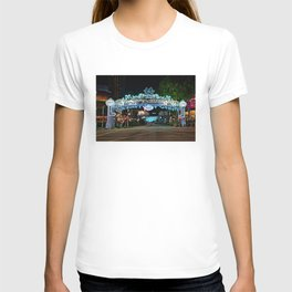 Main Entrance, Orchard Road Christmas Lightup 2018 T-shirt