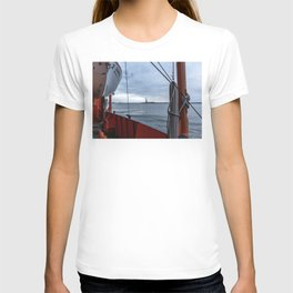 Statue of Liberty through the Ferry T-shirt