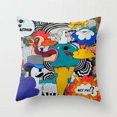 1 Araignée Au Plafond Throw Pillow