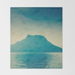 isla nublar... Throw Blanket