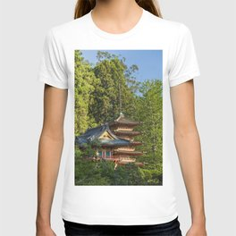 Pagodas (Tō) in Japanese Tea Garden, Golden Gate Park, San Francisco, California T-shirt