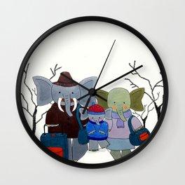 La familia elefante II Wall Clock