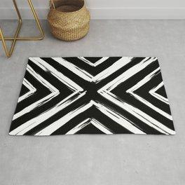 Minimalistic Black and White Paint Brush Triangle Diamond Pattern Rug
