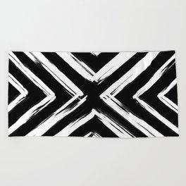 Minimalistic Black and White Paint Brush Triangle Diamond Pattern Beach Towel