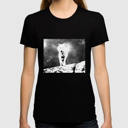 Walking on the moon Wolf T-shirt