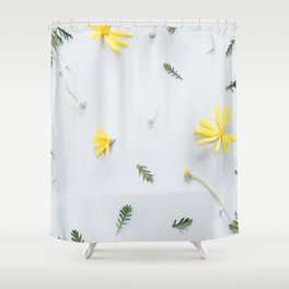 Daisies Are the Friendliest Flowers Shower Curtain