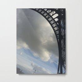 Sous la Tour Eiffel Metal Print