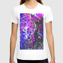 Abstract Art. Fluid Pour Acrylic Paiting. Pink and Purple. T-shirt
