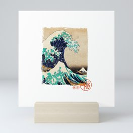 The great wave traditional japanese art vintage gift T-Shirt Mini Art Print