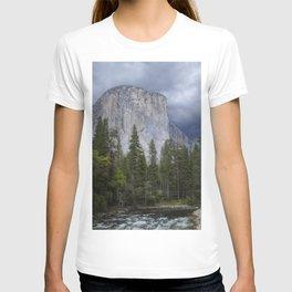 Yosemite National Park, El Capitan, Yosemite Photography, Yosemite Wall Art T-shirt