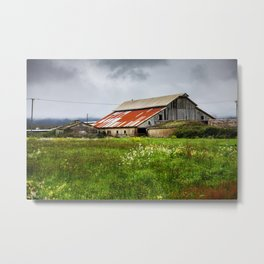 Barn In The Bottoms Metal Print
