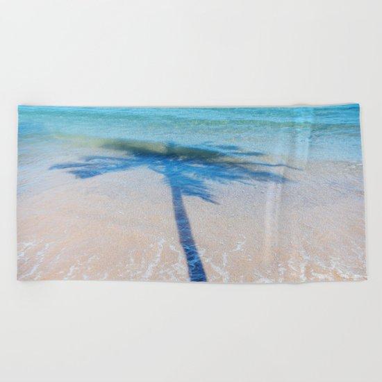 TREE IN SEA Beach Towel