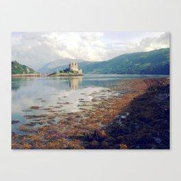 eilean donan castle. Canvas Print