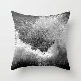 Crashing waves Throw Pillow