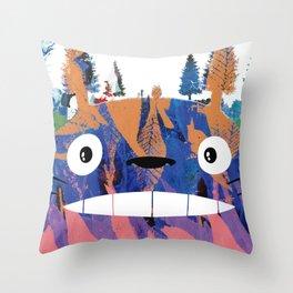 Toto Ro (Miyazaki) Throw Pillow
