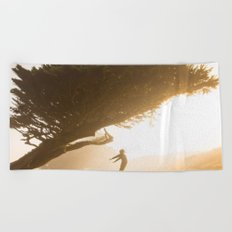 fly fly away Beach Towel